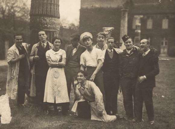 Célébration de la fin des études supérieures... C. 1929-1931 (sl) - DR/Coll. privée.